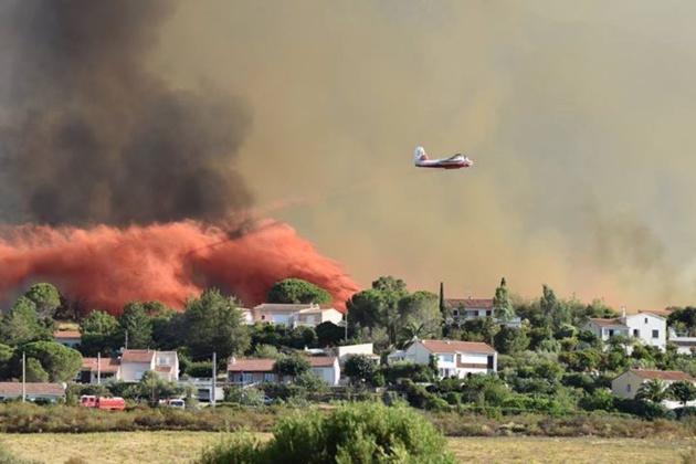 Le sud France brûle